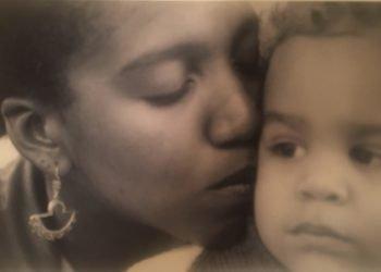 Madre e hijo. Foto: Cortesía de la autora
