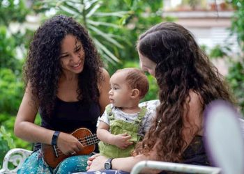 Dachelys Valdés y Hope Bastian con su hijo Paulo. Foto: @dachelys.valdesmoreno/Facebook.