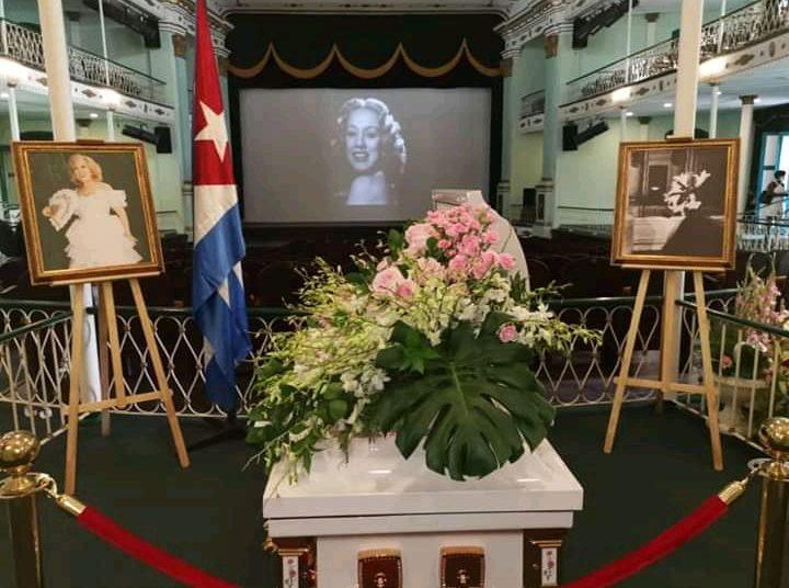 Exequias de la gran vedette cubana Rosita Fornés en el Teatro Martí de La Habana, el 16 de junio de 2020. Foto: Teatro Martí / Facebook.