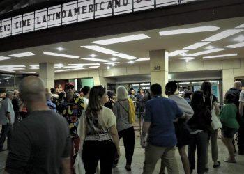 Público asiste a la edición 41 del Festival Internacional del Nuevo Cine Latinoamericano. Foto: cubaenresumen.org