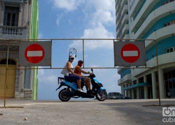 La capital cubana se mantiene con restricciones para intentar frenar el aumento y la dispersión de casos de coronavirus. Foto: Otmaro Rodríguez