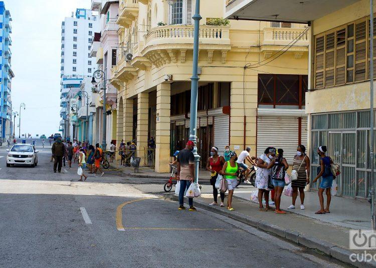 El saldo del virus Sars-CoV-2 para Cuba ha sido de 83 víctimas fatales y 2 mil 92 contagios hasta hoy. Mil 827 personas se han recuperado. Foto: Otmaro Rodríguez