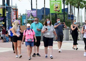 Pese al incremento de los casos de coronavirus, los parques de Florida siguen abiertos, como Disney World. Foto: EFE.