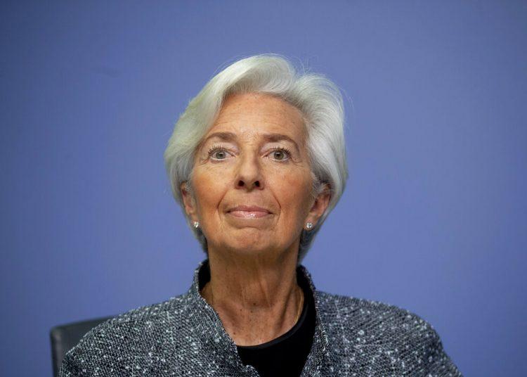 La presidenta del Banco Central Europeo Christine Lagarde en una conferencia de prensa el 12 de marzo de 2020. Foto: Michael Probst, vía AP