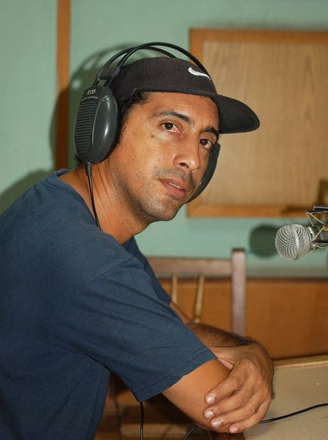 Rogelio Ramos durante sus años en la radio. Foto: Cortesía del entrevistado.