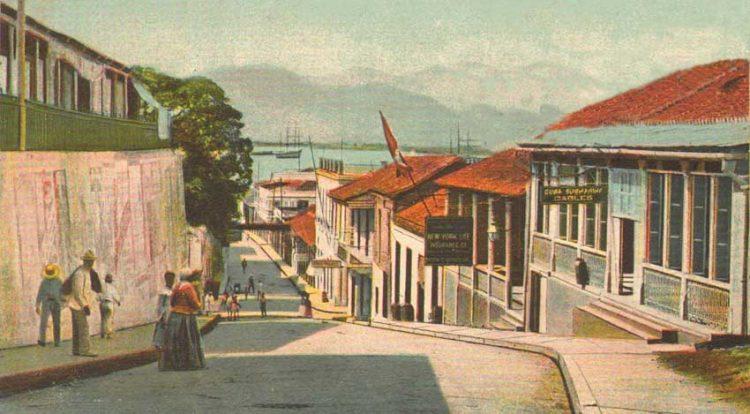 Vieja tarjeta postal sobre la ciudad de Santiago de Cuba. Foto: Cuba Museo