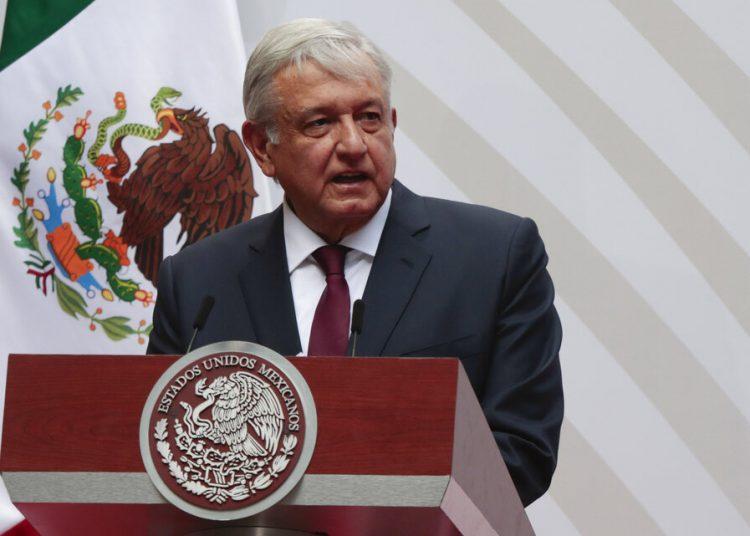 En su primer viaje al extranjero como presidente de México, Andrés Manuel López Obrador viaja el martes 7 de julio de 2020 a Washington para reunirse con su homólogo Donald Trump. Foto: Eduardo Verdugo/AP/ Archivo.