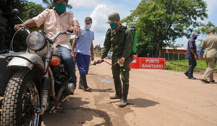 Punto de control sanitario en el municipio Bauta, provincia de Artemisa. Foto: artemisadiario.cu