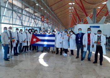 Parte de la brigada sanitaria cubana que prestó servicios contra la pandemia en Andorra. Foto: @GostavoMachinG/Twitter.