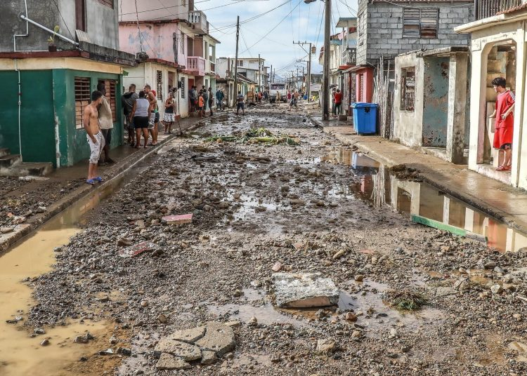 Daños ocasionados por el Huracán Isaías a finales de julio en Baracoa, al oriente de Cuba. Foto: Rubén Ajá/Facebook/Archivo.