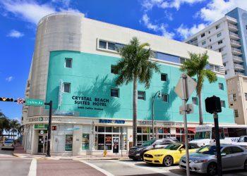 Hombre dispara en la recepción del hotel Crystal Beach Suites de Miami-Beach para exigir distancia social al resto de los clientes. Foto: https: crystalbeachsuites.com