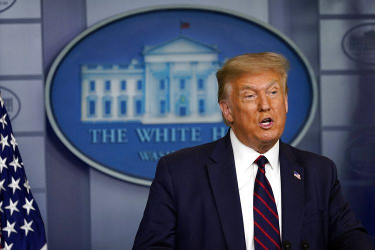 El presidente Donald Trump habla durante una conferencia de prensa en la Casa Blanca el jueves 30 de julio de 2020. Foto: Evan Vucci/AP.