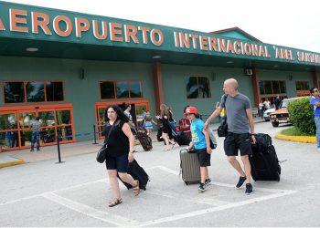 """Foto de archivo del aeropuerto internacional """"Abel Santamaría"""", de Santa Clara, Cuba. Foto: Vanguardia / Archivo."""
