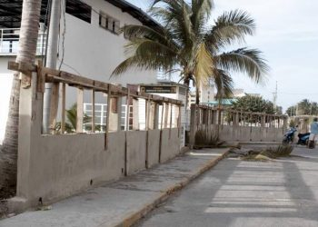 Polémico muro de 1ra y 70, en La Habana, que fue demolido tras denuncias de la ciudadanía. Foto: Tribuna de La Habana.