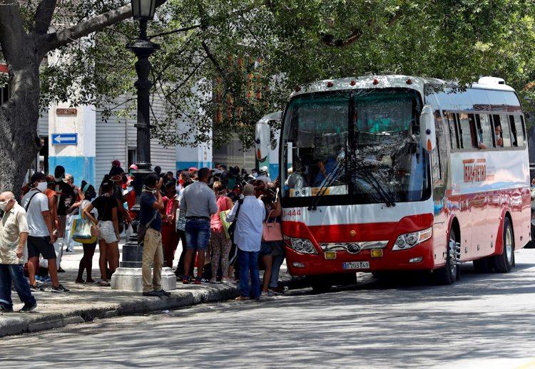 Los diez casos de hoy se concentran en los municipios habaneros de Centro Habana, 10 de Octubre, Cerro, Cotorro y La Lisa. Foto: Ernesto Mastrascusa/EFE