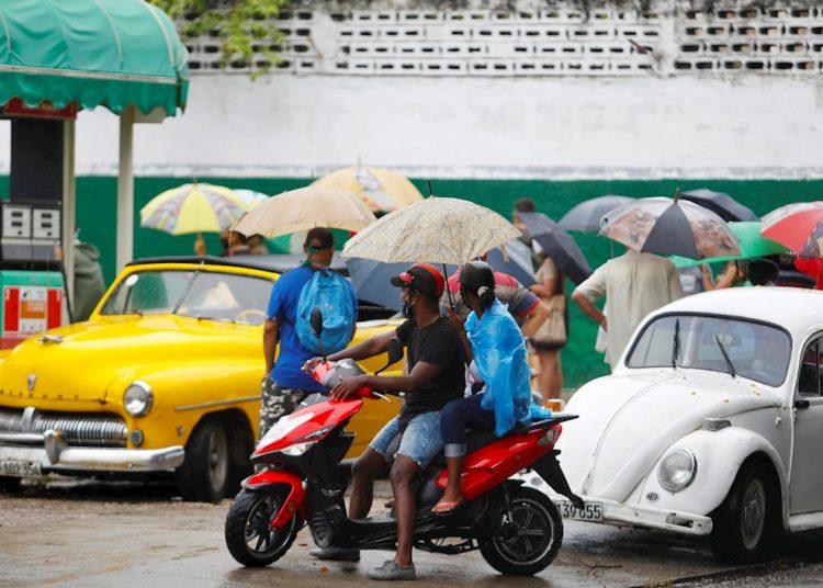 La ubicación de los positivos a la COVID-19 hoy corresponde a los municipios habaneros de Habana del Este, La Lisa, Guanabacoa, San Miguel del Padrón, Arroyo Naranjo y Boyeros. Los contagios en el exterior se produjeron en Venezuela y Bahamas. Foto: Yander Zamora/EFE/archivo