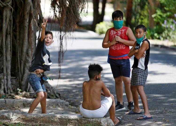 Los diagnosticados con la COVID-19 informados hoy son cubanos, de La Habana y Mayabeque. Foto: Yander Zamora/EFE