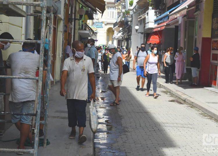 Los 23 casos de hoy fueron detectados en La Habana y Artemisa. Pinar del Río tuvo un caso importado. Foto: Otmaro Rodríguez.