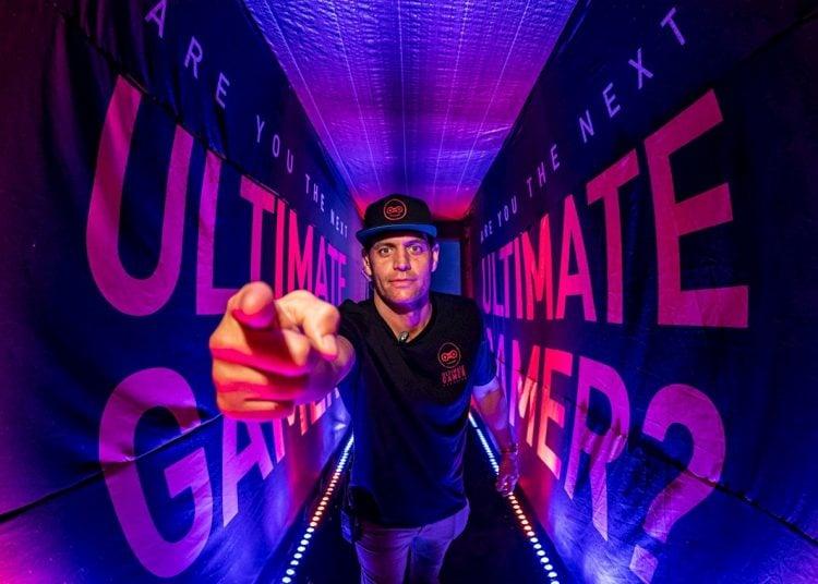 """Fotografía cedida por """"Ultimate Gamer"""". Su fundador, el cubano-estadounidense Steve Suárez busca convertir a Miami en el """"epicentro"""" global de los videojuegos, convencido de que los latinos """"son la mayor demografía de la industria"""" y que la cuarentena por la COVID-19 es ideal para esta actividad. Foto: Tai Randall/Ultimate Gamer/EFE"""
