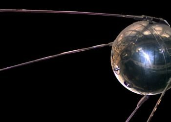 Réplica del Sputnik 1 en el Museo Nacional del Aire y el Espacio de Estados Unidos. Foto: NASA