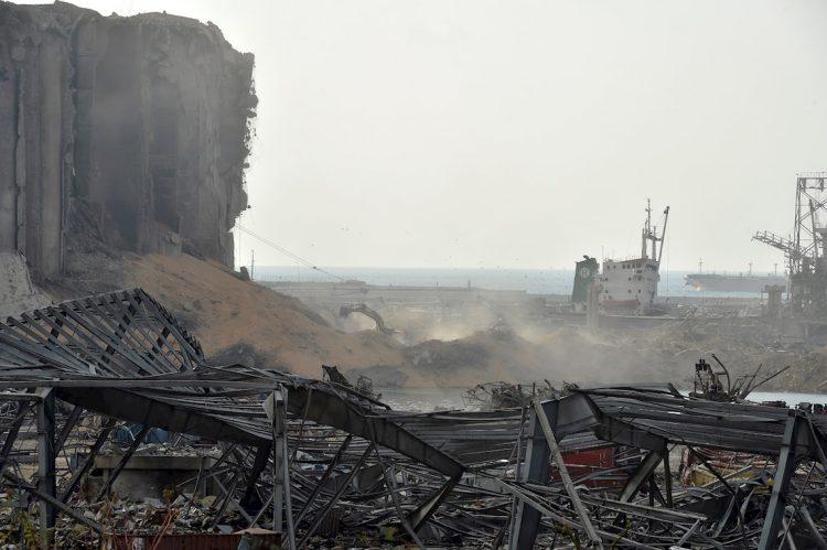 Bahía de Beirut después de la explosión. Foto: EFE/EPA/Wael Hamseh.
