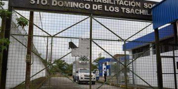 Recordó que el sistema carcelario, según datos disponibles de 2017, registraba 36 500 personas privadas de la libertad (PPL), de los cuales más de 2 550 eran extranjeros y de ellos el 1,56 por ciento, unos 40, eran de nacionalidad cubana. Foto: Centro De Rehabilitación Social Santo Domingo de Los Tsáchilas, vía: eldiario.ec
