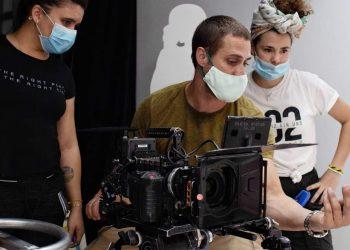 La industria audiovisual se adapta a las actuales circunstancias en Cuba por la Covid-19. Foto: perfil de Facebook de Madwoman Agency.