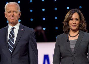 Joe Biden y Kamala Harris el 31 de julio de 2019 en Detroit, Michigan, durante el segundo debate presidencial. Foto: Breaking 911.