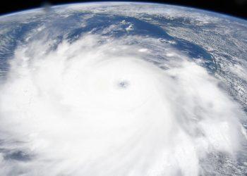 Imagen tomada desde la Estación Orbital Internacional muestra la perfecta formación de la tormenta. Foto: NASA Astronauts/Facebook.