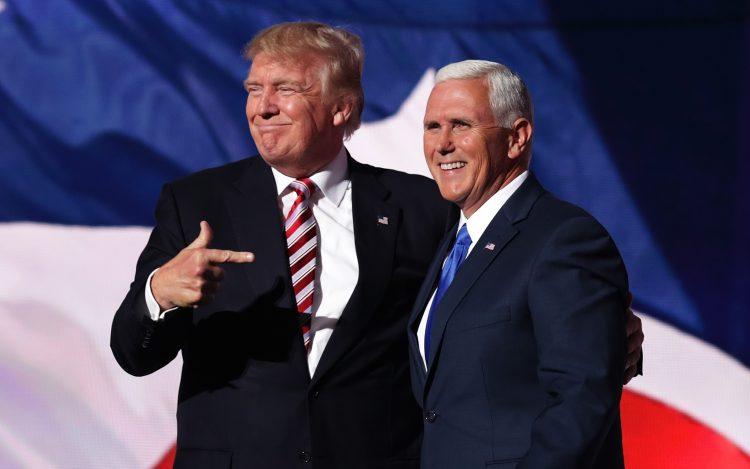 El vicepresidente Mike Pence no había aparecido en medios de comunicación desde que el demócrata Joe Biden fuese declarado ganador de las elecciones en EE.UU., mientras que Trump sigue sin reconocer su derrota, y alega fraude relacionado con los votos por correo. Foto: Chip Somodevilla/Getty Images.