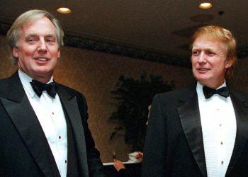 Robert Trump (izq), hermano menor del presidente Donald Trump, murió la noche del sábado 15 de agosto de 2020 en Nueva York, informó el mandatario en un comunicado. Foto: AP/Diane Bonadreff/Archivo.