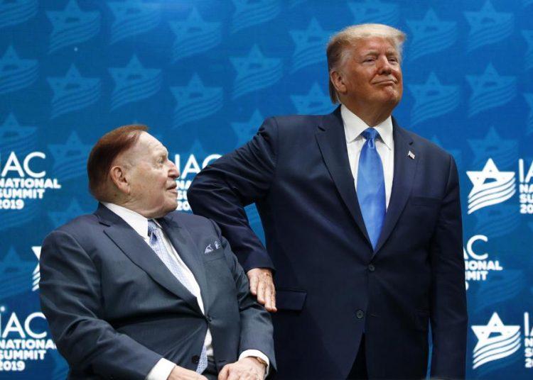 El magnate y el presidente en una de reunión del fondo de inversiones IAC el año pasado. | Forbes.com