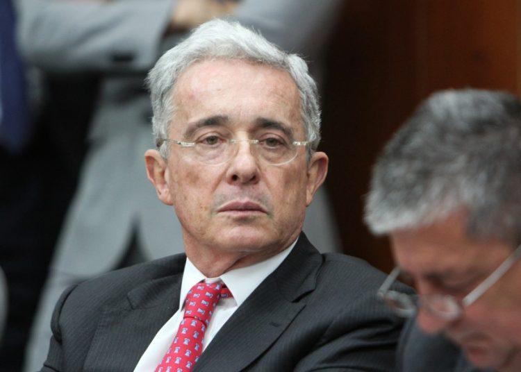 El expresidente colombiano, Álvaro Uribe. Foto: Caracol.