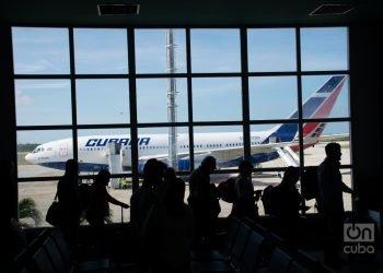 Dos de los tres vuelos humanitarios realizados hasta la fecha entre Cuba y Ecuador fueron operados por Cubana de Aviación. Foto: Kaloian Santos.