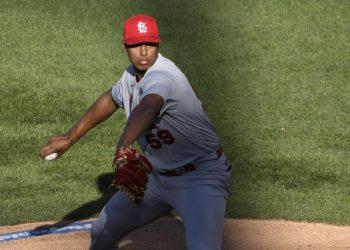 Johan Oviedo se convirtió el pasado 19 de agosto en el jugador cubano 215 en la historia de MLB. Foto: David Banks/AP.