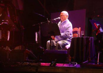 Pablo Milanés durante su presentación en San Fernando. Foto: Nacho Frade, vía: La Voz de Cádiz.