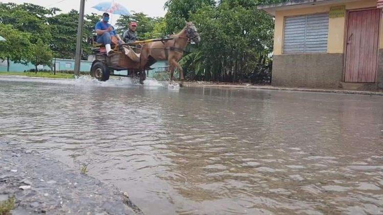 Ya en Pinar del Río se reportan precipitaciones significativas en las últimas horas. Foto: Tomada del perfil de Facebook de Belkys Pérez Cruz.