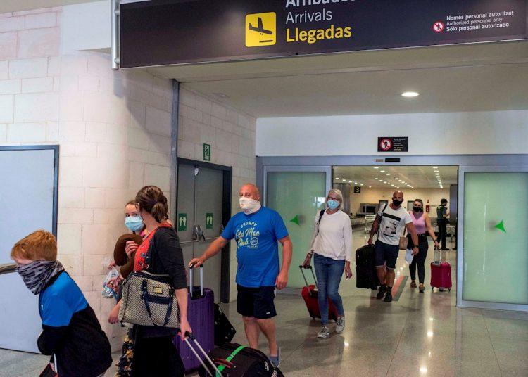 Viajeros en Europa durante la pandemia de coronavirus. Foto: David Arquimbau Sintes / EFE / Archivo.