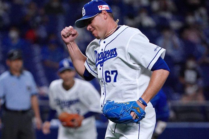 Yariel Rodríguez tuvo otra impecable salida en el primer nivel del béisbol japonés. Foto: Tomada de Chunichi Dragons.