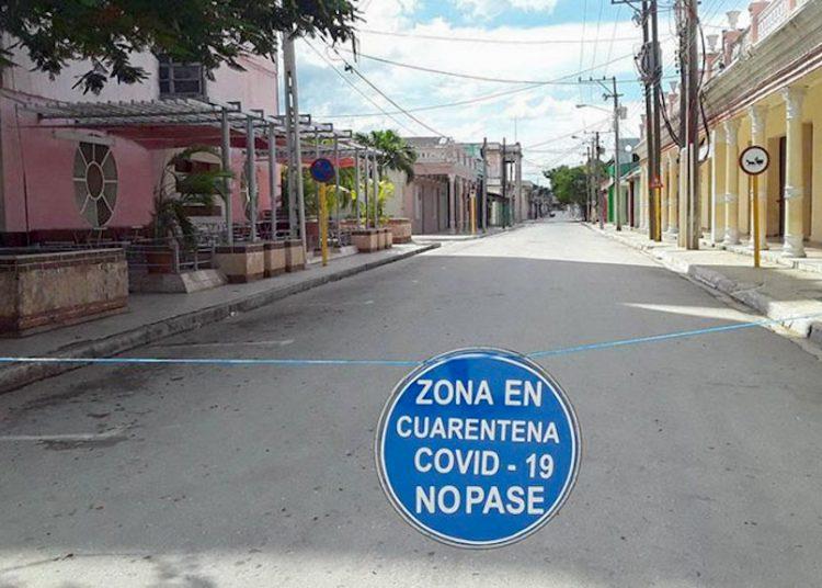 Advertencia colocada en una calle de la ciudad de Ciego de Ávila. Foto: invasor.cu/Archivo.