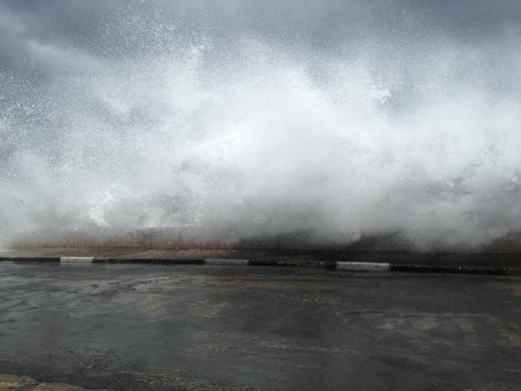 El huracán Isaías en Baracoa, en julio de 2020. Foto: Claudia Rafaela Ortiz