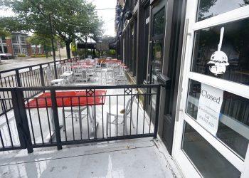 Un restaurante de hamburguesas cerrado en Dallas, 2 de septiembre de 2020. Foto: AP/LM Otero.
