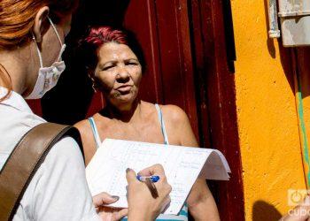 Pesquisaje en La Habana para detectar posibles casos de la COVID-19. Foto: Otmaro Rodríguez.