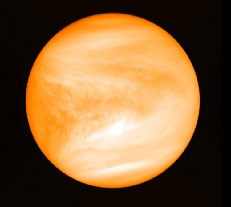 Foto de mayo de 2016 del planeta Venus proporcionada por el investigador Jane Greaves y captada por la sonda japonesa Akatsuki. Foto: J. Greaves/Cardiff University/JAXA via AP.