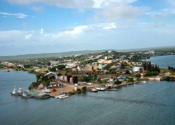 Vista aérea de la ciudad de Antilla. Foto: Juan Pablo Carreras, vía ACN.