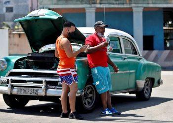 Aunque no hubo muertes, y la cifra de fallecidos en Cuba por el nuevo coronavirus se mantiene en 108, para Durán se trata de la letalidad más alta de los últimos cuatro meses. Foto: Yander Zamora/EFE/Archivo.