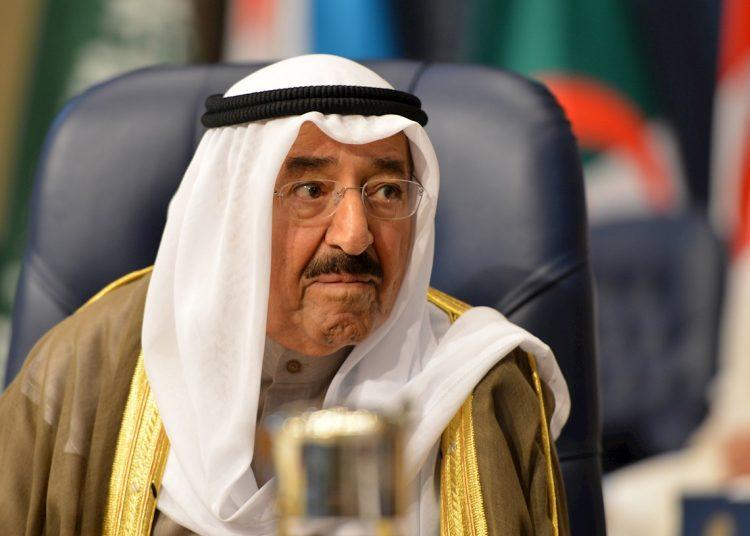 El emir de Kuwait, el jeque Sabah Al-Ahmad Al-Jaber Al-Sabah, durante la sesión inaugural de la cumbre árabe, en la ciudad de Kuwait, Kuwait, el 25 de marzo de 2014. El emir ha muerto a los 91 años. Foto: RAED QUTENA/ EFE / EPA .