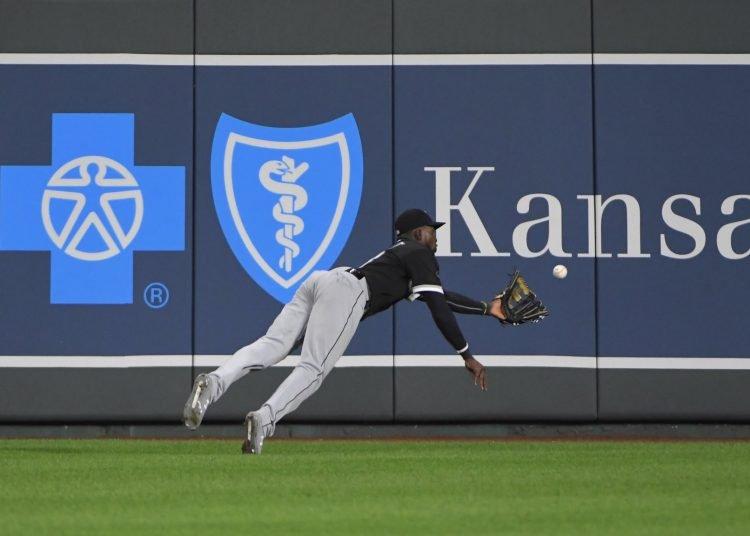Luis Robert ha sido uno de los jugadores más emocionantes del béisbol en esta temporada recortada y mantiene su firme candidatura a Novato del Año. Foto: Chicago White Sox.