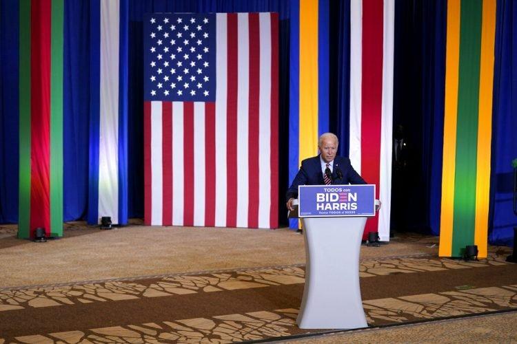 El candidato presidencial demócrata Joe Biden habla el martes 15 de septiembre de 2020 durante un evento del Mes de la Herencia Hispana en el Osceola Heritage Park, en Kissimmee, Florida. (AP Foto/Patrick Semansky)