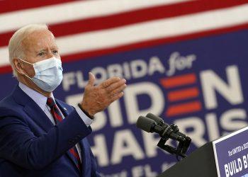 El exvicepresidente Joe Biden, candidato presidencial demócrata, habla en Miami  el lunes 5 de octubre de 2020. Foto: Andrew Harnik/AP.